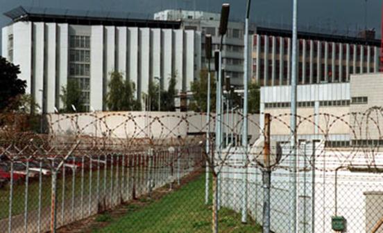 ΧΙΙΙ. Η φυλακή Stammheim στη Στουτγκάρδη της Γερμανίας.