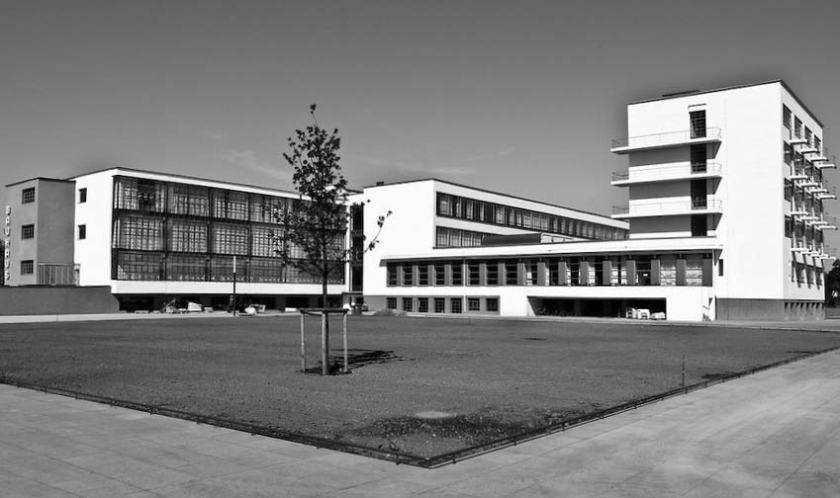 Το κτίριο στο Dessau