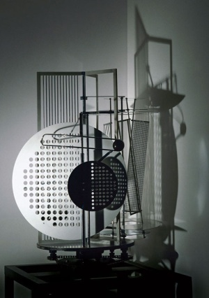 Laszlo Moholy-Nagy, Light space modulator, 1930