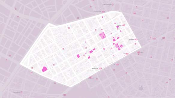 Εικόνα 32: Χάρτης ιδιοκτησιών της εταιρείας Oliaros στην περιοχή. Αν και πιθανώς στον χάρτη δεν αποτυπώνονται όλες οι ιδιοκτησίες της εταιρείας, ωστόσο αυτές που μπορέσαμε να συγκεντρώσουμε δίνουν μία εικόνα του μεγέθους και εν μέρει το βαθμό συγκέντρωσης των επενδύσεων γαιοπροσόδου. Συνολικά το σχέδιο ανάπλασης της Oliaros προτείνει την ανακατασκευή 44 κτιρίων (36.000 τ.μ.), τα οποία ανήκουν στην ίδια.