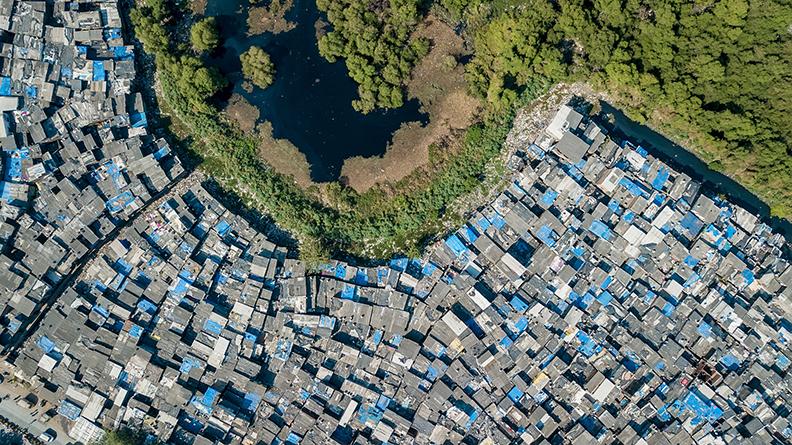 Πηγή: Mumbai - Unequal Scenes